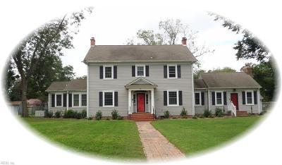 Hampton Single Family Home For Sale: 29 Hampton Roads Ave