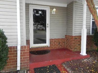 Suffolk Single Family Home For Sale: 6215 Heather Glen Dr