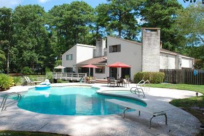 Virginia Beach Single Family Home For Sale: 941 Bobolink Dr