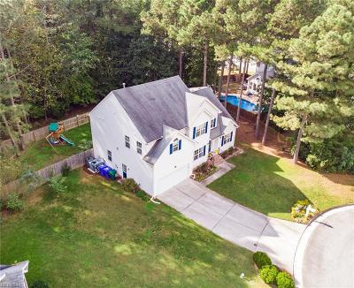 Suffolk Single Family Home Under Contract: 202 Black Oak Ct