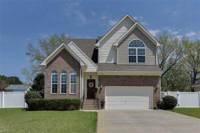 Chesapeake Single Family Home New Listing: 724 Chantilly Ln