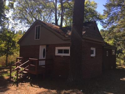 Chesapeake Single Family Home New Listing: 1304 Goodman St