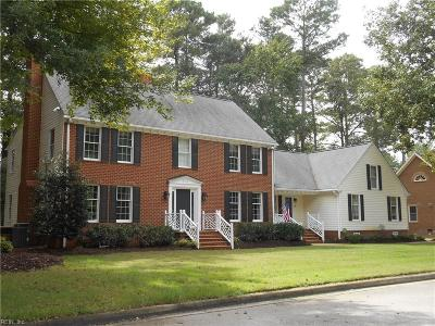 Chesapeake Single Family Home For Sale: 503 Country Club Ct