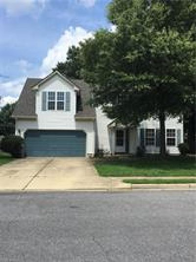 Hampton Single Family Home New Listing: 2 Draper Cir