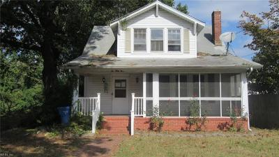Chesapeake Single Family Home New Listing: 1039 Livingston Ave
