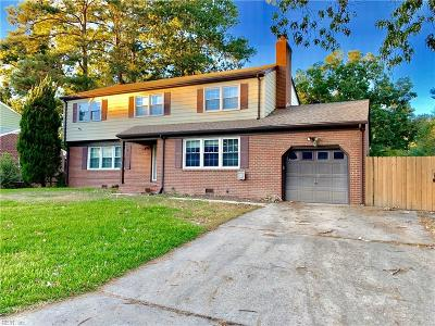 Hampton Single Family Home New Listing: 35 Colonial Acres Dr