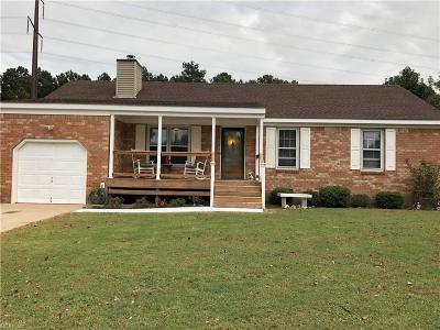 Chesapeake Single Family Home New Listing: 707 Colony Dr