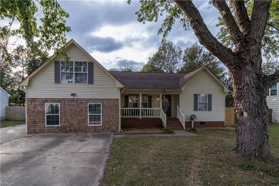 Chesapeake Single Family Home New Listing: 840 Kemp Meadow Dr