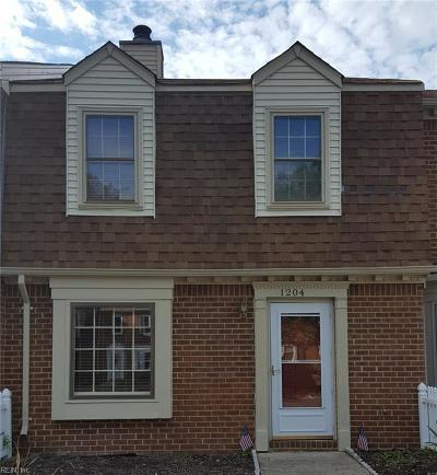 Chesapeake Single Family Home New Listing: 1204 Cedar Mill Sq