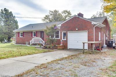 Yorktown Single Family Home New Listing: 201 Janis Dr