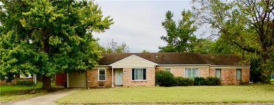 Virginia Beach Single Family Home New Listing: 441 Drake Ct