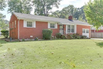 Hampton Single Family Home New Listing: 104 Roberta Dr