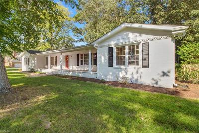 Chesapeake Single Family Home New Listing: 401 Briarfield Dr