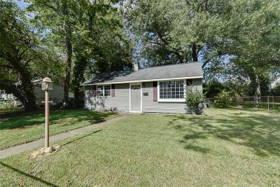 Hampton Single Family Home New Listing: 304 Roane Dr