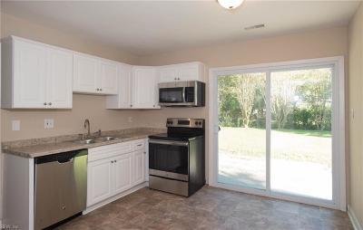 Hampton Single Family Home New Listing: 211 Greenwell Dr