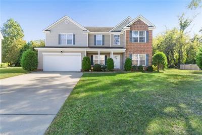 Hampton Single Family Home For Sale: 212 Kove Dr