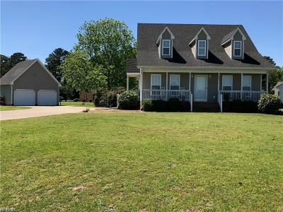 Franklin Single Family Home Under Contract: 701 Canterbury Ct