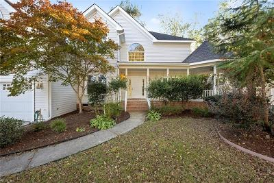 Chesapeake Single Family Home For Sale: 713 Denham Arch