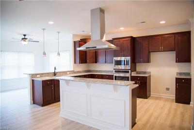 Hampton Single Family Home For Sale: 102 Brogden Ct