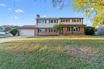 Chesapeake Single Family Home For Sale: 2125 Cherryhill Ln
