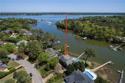 Virginia Beach Single Family Home For Sale: 1680 Dey Cove Dr