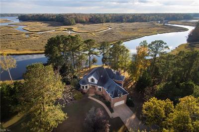 Carrollton Single Family Home For Sale: 215 Deep Water Way