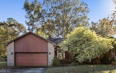 Chesapeake Single Family Home New Listing: 1004 Amberdale Dr