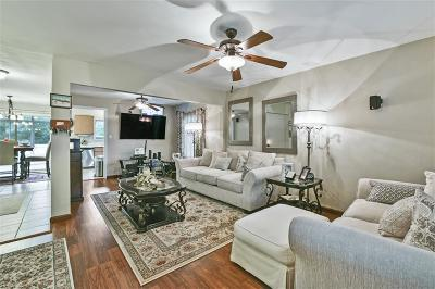 Norfolk Single Family Home New Listing: 173 D View Ave