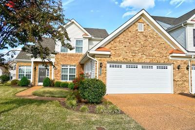 Chesapeake Single Family Home For Sale: 506 Linton Cir #249