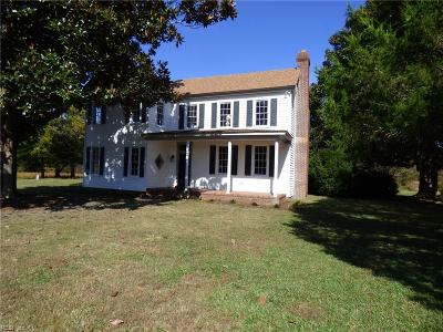 Suffolk Single Family Home For Sale: 4256 Quaker Dr