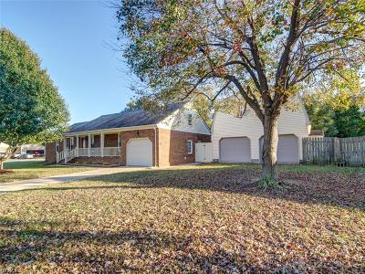 Chesapeake Single Family Home New Listing: 817 High Point Ln