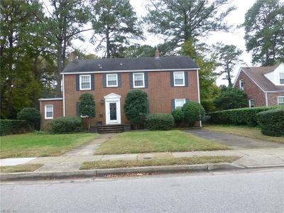 Norfolk Single Family Home For Sale: 165 Ridgeley Rd