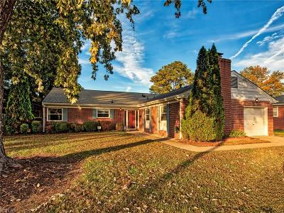 Hampton Single Family Home New Listing: 16 Bickfield Dr