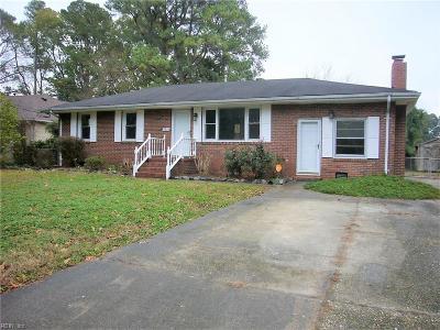 Norfolk Single Family Home For Sale: 5936 Oetjen Blvd