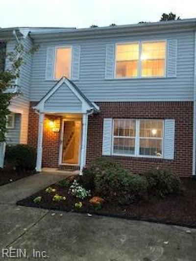 Chesapeake Single Family Home New Listing: 104 Horse Run Dr