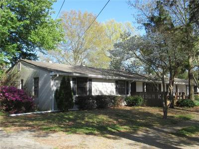 Virginia Beach Single Family Home For Sale: 1016 Caton Dr