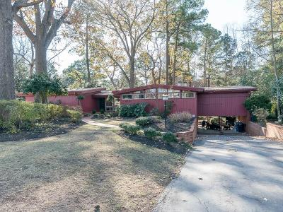 Virginia Beach Single Family Home New Listing: 4201 Thoroughgood Ln