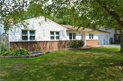 Virginia Beach VA Single Family Home For Sale: $280,000