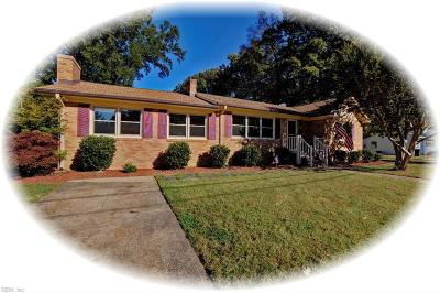 Newport News Single Family Home New Listing: 23 Minton Dr