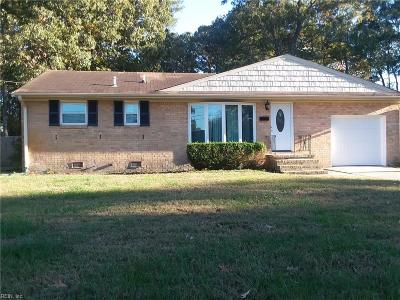 Newport News Single Family Home New Listing: 21 Teakwood Dr