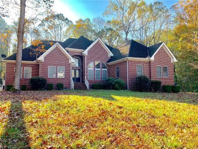 Suffolk Single Family Home New Listing: 904 Northpoint Dr