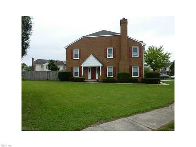 Chesapeake Single Family Home New Listing: 326 Brisa Dr