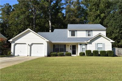 Suffolk Single Family Home New Listing: 138 Riverwood Trce