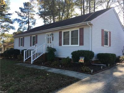 Suffolk Single Family Home New Listing: 105 Cottonwood Ct