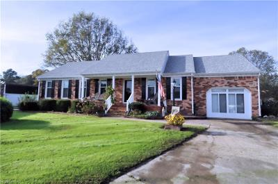 Chesapeake Single Family Home New Listing: 2404 Bay Oak Ct