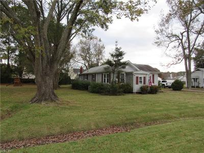 Chesapeake Single Family Home New Listing: 825 Johnstown Rd