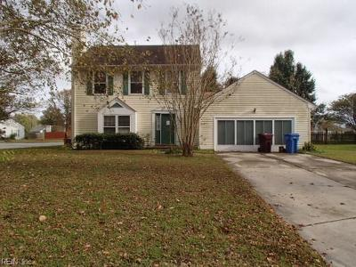 Single Family Home For Sale: 409 Creekwood Dr