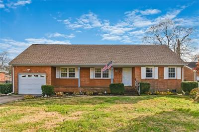 Virginia Beach Single Family Home For Sale: 1876 Long Bridge Ln