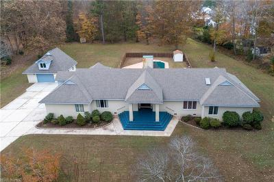 Chesapeake Single Family Home For Sale: 604 Fairfield Dr