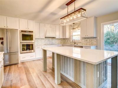 Virginia Beach Single Family Home For Sale: 976 Calypso Ln